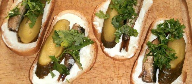 Бутерброды с шпротами рецепты простые