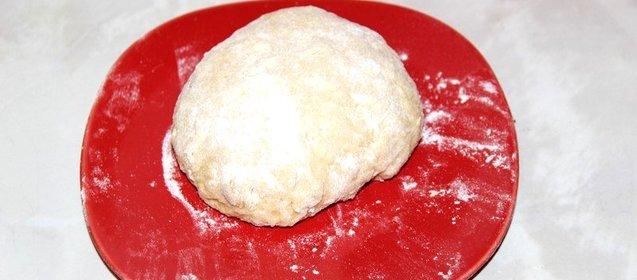 Тесто для пиццы простой с пошагово