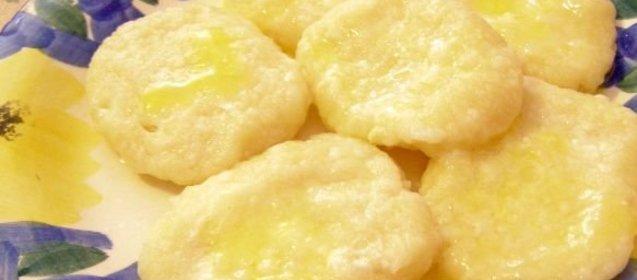 Волшебник: воздушные вареные сырники из творога рецепт может