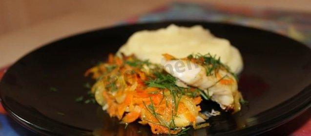 рецепт минтая в духовке с омлетом