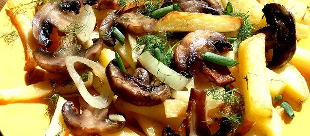 Рецепт картошки с грибами в одной сковороде
