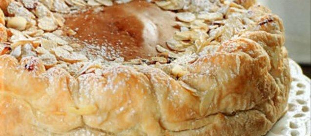 Слоеная шарлотка с яблоками рецепт с пошагово в духовке