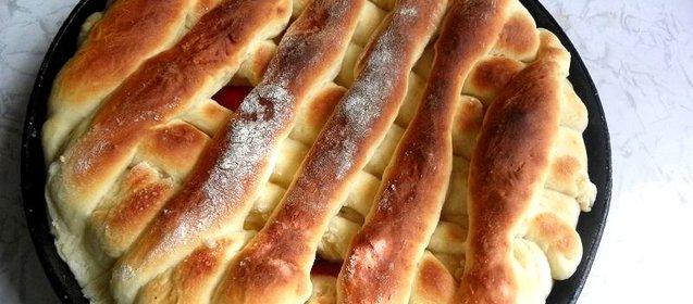 Дрожжевой пирог с персиками свежими рецепт